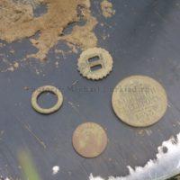 Отличная находка ранним утром − 3 копейки серебром в старинном выселке