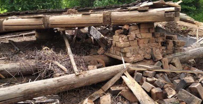 Как мы крышу в деревенском доме прадеда разобрали